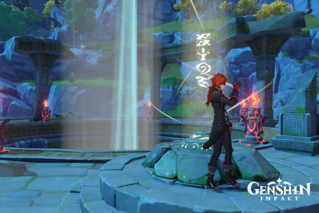 Рыжеволосый мужчина поправляет перчатки возле снесенного храма